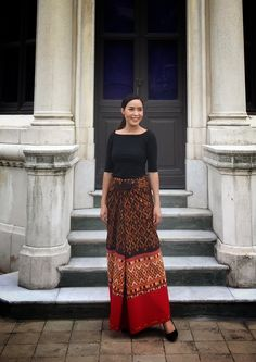 Traditional Dresses Designs, Thai Traditional Dress, Traditional Outfits, Thai Fashion, 60 Fashion, Filipiniana Dress, Dress Brokat, Batik Fashion, Boho Summer Outfits