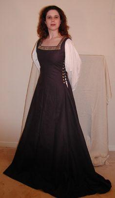 Custom made women's Medieval / SCA Side Lacing linen by silverstah, $195.00