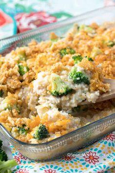 Easy Broccoli Rice Casserole with Turkey Chicken Broccoli Rice Casserole, Turkey Casserole, Casserole Dishes, Casserole Recipes, Chicken Rice, Cauliflower Casserole, Broccoli Cauliflower, Cheesy Chicken, Cracker Chicken