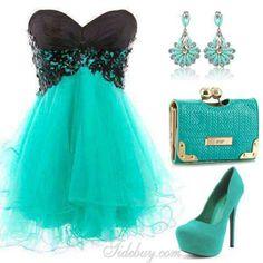 Y que tal tu nena en un hermoso vestido elegante para sus fiestas de 15 años.....