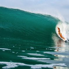 World spots #guide #surftrip #surf #surfing pic:@ryanheywood Discover your wave http://www.surfergalaxy.com/app