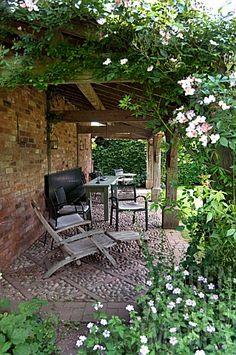 Wollerton Old Hall Garden - cobble stones