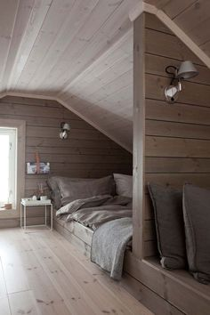 Nice Loft Schlafzimmer Ideen that you must know, You?re in good company if you?re looking for Loft Schlafzimmer Ideen Loft Style Bedroom, Loft Room, Small Apartment Bedrooms, Attic Rooms, Attic Bathroom, Loft Bedrooms, Bathroom Black, Bedroom Small, Trendy Bedroom