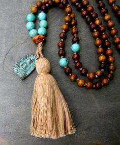 Items similar to Mala Beads Buddha Necklace Mala Bead Necklace Prayer Beads Mala 108 Beads Buddhist Beads Healing Jewelry Hand Knotted Necklace Boho Jewelry on Etsy Tassel Jewelry, Beaded Jewelry, Beaded Bracelets, Jewellery Box, Diy Mala Beads, Damas Jewellery, Tanishq Jewellery, Jewelry Necklaces, Friend Necklaces