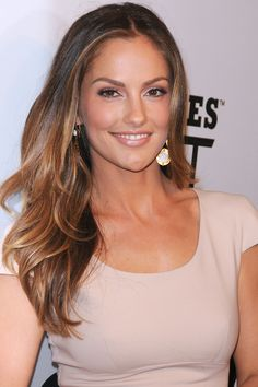 Brunettes take note, if you're after a balayage look that isn't too obvious, Minka Kelly should be your inspiration!