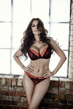 kelly-brook-manic-magazine-photoshoot_17.jpg (1200×1798)