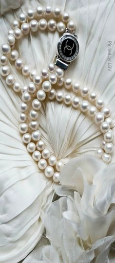 ♔ Chanel pearl silver necklace