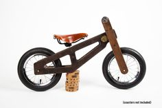 Goodness gracious, this bike is beautiful. And pricey. $250. Bennett Balance Bike – Heritage Littles