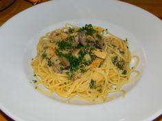 Kräuterseitlinge mit Pasta Kraut, Spaghetti, Pasta, Ethnic Recipes, Food, Food And Drinks, Cooking, Essen, Meals