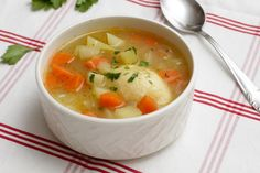 Lidl, Cheeseburger Chowder, Feta, Curry, Food And Drink, Soup, Lunch, Ethnic Recipes, Drinks