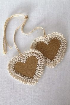 Bookmark IDEA ~ Cardboard heart with crochet edge, could make these into hanging decorations or gift tags.Heart Gift Tags Gold Glitter Handmade Crochet by creativecarmelina~ Burlap & Crocheted Hearts ~ These are a must d Crochet Gifts, Knit Crochet, Crochet Owls, Crochet Trim, Handmade Gift Tags, Handmade Home, Crochet Accessories, Crochet Flowers, Crochet Hearts