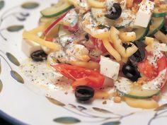 Görög saláta Pasta Salad, Potato Salad, Buffet, Potatoes, Meat, Chicken, Ethnic Recipes, Food, Crab Pasta Salad
