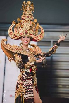 I am proud of Indonesian. This Lampung (indonesia) costume very stunning. Luxury and elegant modification.