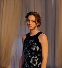 Her hair style is so cute! Love Blair Waldorfs hair styles!:)