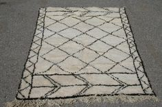 Moroccan Beni Ourain Rug Berber weave of the Atlas by MoroccoTouch