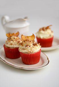 APPLE CRUMBLE    Muffin de Manzana, Crema Chantilly, Apple Crumble, Canela & Manzana caramelizada
