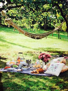 summertime picnic complete with hammock- I'm in heaven (backyard hammock romantic) Picnic Time, Summer Picnic, Summer Fun, Picnic Parties, Garden Picnic, Backyard Picnic, Picnic Spot, Spring Summer, Beach Picnic