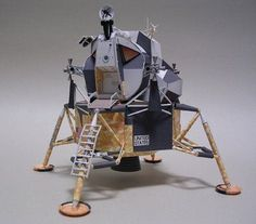 This is an amazing printable moon lander paper project.