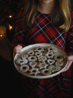 Makové cukroví s povidlama   Máma peče doma Waffles, Cereal, Breakfast, Food, Morning Coffee, Eten, Waffle, Meals, Corn Flakes