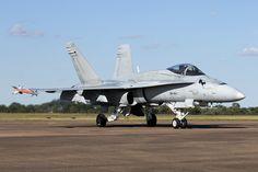 HN-424_F-18Hornet_FinnishAF_FFD_Img03