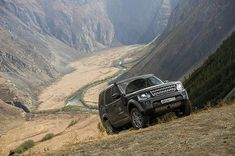 Buy a #discovery and receive the ability to access spectacular views for free. By @kkeylin source @discover_russia_again #landrover #discovery4 #lr4 #landroverphotoalbum #4x4 #offroad _ 떠나고 싶은가 보다