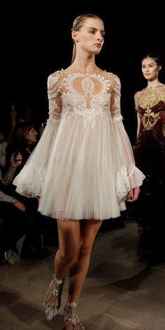 Legging e barriga de fora para a noiva: a moda pega? | Noiva.com por Gabrieli Chanas
