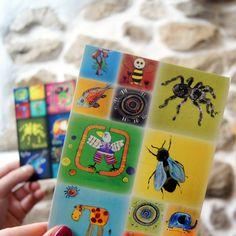 Sada+pohledů+-+ručně+navržená+pohlednicepro+radost+-+autorský+motiv+-základní+barva+1kssvětlá+++1+ks+tmavá+-+velikost+A6+Maličkost+která+potěší+každého+Cena+za+2+kusy!+