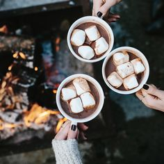 """Warming up! I think Canada may have the best hot cocoa #justsayin  @christopheramat"""