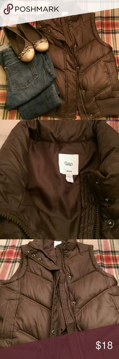 Women's Gap puffer vest Brown puffer vest in great shape. Worn just a few times!! Great for fall weather!!! GAP Jackets & Coats Puffers