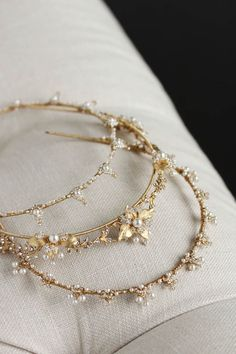 Delicate wedding crowns for the modern bride 1