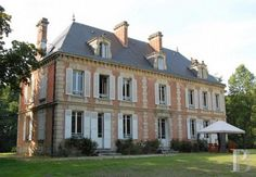 chateaux for sale France - in France - Patrice Besse Castles and Mansions of France is a Paris based real-estate agency specialised in the sale of Castles / chateaux. Classic Architecture, Architecture Details, Georgian Architecture, French Style Homes, Dream House Exterior, French Countryside, French Country House, Toscana, Classic House
