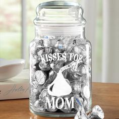 Hershey's Treat Jar - Can do with vinyl & a cute jar!