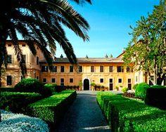 La Posta Vecchia, Italy