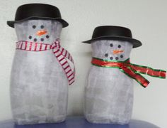 Made these Snowmen out of tissue paper covered Nescafe jars for a holiday bazaar. Made a few more with buttons down the front & ribbon w/holly around the hats. Wine Bottle Crafts, Jar Crafts, Crafts For Kids, Homemade Christmas, Christmas Crafts, Christmas Decorations, Christmas And New Year, Winter Christmas, Xmas