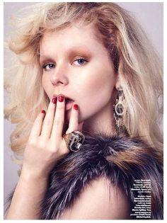 Harper's Bazaar AFTERNOON ring and earrings Harpers Bazaar, Swarovski, Earrings, Collection, Ear Rings, Stud Earrings, Ear Piercings, Ear Jewelry, Beaded Earrings Native