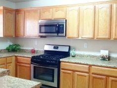 700 Falling Leaf, El Paso Texas 7993Gorgeous Kitchen With Magellan Green  Countertop And Natural Maple