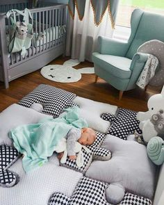 Do It Yourself baby room and baby area decorating! Lots of baby room design ideas!