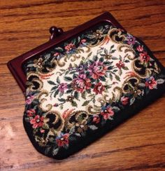 Vintage Floral Clutch Purse Small Coin Purse Good Condition Green Pink White Cut