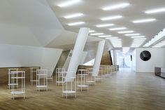 Hamburg – Elbphilharmonie: Möblierung und Architektur im Einklang! Modernes Design der Möblierung. Wir stellen das Konzept vor! Mehr auf roomido.com #roomido