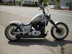 I want to build a Suzuki Intruder 1400 like this.