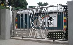 48 Steel Gate Design Idea is Perfect for Your Home - decortip Steel Gate Design, Front Gate Design, Main Gate Design, Door Gate Design, House Gate Design, Metal Gates, Wrought Iron Gates, Compound Wall Gate Design, Balcony Railing Design