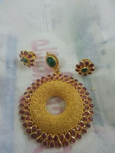 Diamond Bracelets, Gold Bangles, Gold Jewelry, Fine Jewelry, Traditional Indian Jewellery, South Indian Jewellery, Indian Jewelry, Pendant Set, Silver Diamonds