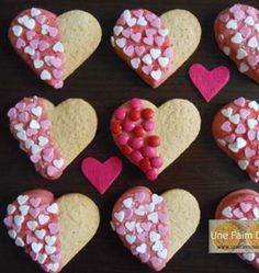Discover recipes, home ideas, style inspiration and other ideas to try. Valentine Desserts, Valentines Food, Cookie Desserts, Biscotti Cookies, Cake Cookies, Sugar Cookies, Button Cookies, Dessert In A Jar, Diy Dessert
