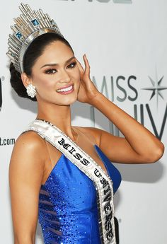 She's set . Miss Philippines Pia Alonzo Wurtzbach, after winning the 2015 Miss Universe Pageant. Miss Universe Philippines, Miss Philippines, Pageant Makeup, Beauty Pageant, Miss Colombia, President Of The Philippines, Miss Universe 2015, Miss Universe Crown, Miss Mundo