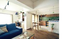 名古屋市瑞穂区 マンションリノベーション リビング 青いソファ