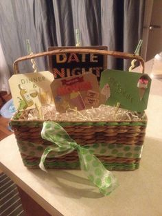 Date Night Basket Clip a gift card in the clothes pins behind each corresponding sign. Perfect for any occasion, going to make on your a jack and Jill raffle prize! Date Night Gift Baskets, Date Night Gifts, Diy Gift Baskets, Homemade Christmas Gifts, Homemade Gifts, Holiday Gifts, Theme Baskets, Raffle Baskets, Craft Gifts