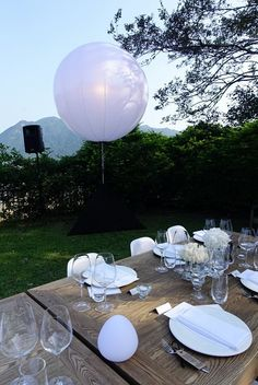 Wedding decoration ideas with Airstar balloons. Party Lighting, Wedding Decorations, Table Decorations, Balloons, Weddings, Ideas, Home Decor, Wedding Decoration, Globes