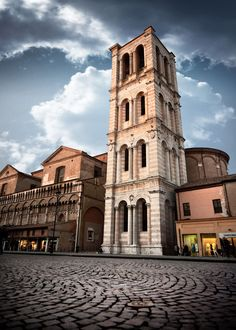 Campanile In Strada (Ferrara, Italy), photo by Marcello Micai (www.grafema.net)