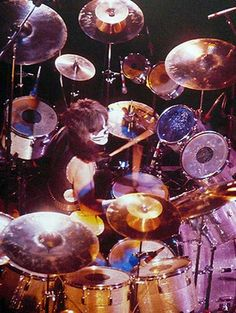 A site dedicated to Peter Criss' various drums kits throughout his life and career including of course with KISS. Paul Stanley, Gene Simmons, Eric Singer, Kiss Members, Pearl Drums, Peter Criss, Vintage Kiss, Kiss Art, Kiss Pictures