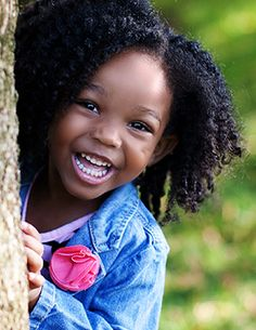 Beautiful girl with natural hair and beautiful smile! Precious Children, Beautiful Children, Beautiful Babies, Beautiful Smile, Black Is Beautiful, Beautiful People, Hello Beautiful, Kinky Curly Hair, Curly Hair Styles